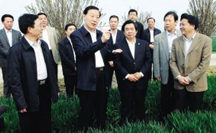 罗志军在淮视察调研现代农业