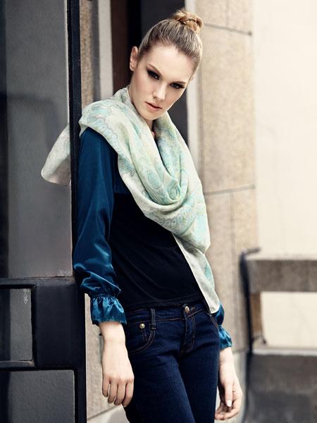 2012最新款式围巾真丝丝巾