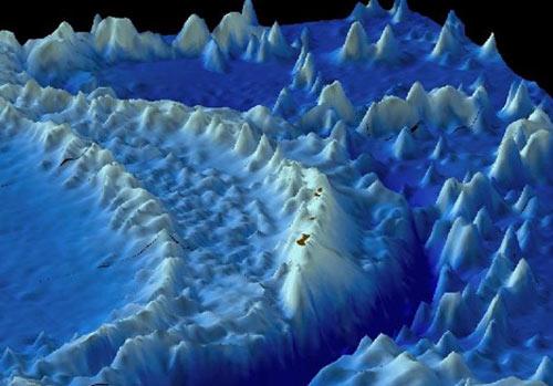 马里亚纳海沟 世界上最深的海沟