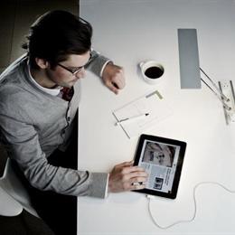 国外著名设计师设计的可以自由收缩的LED台灯