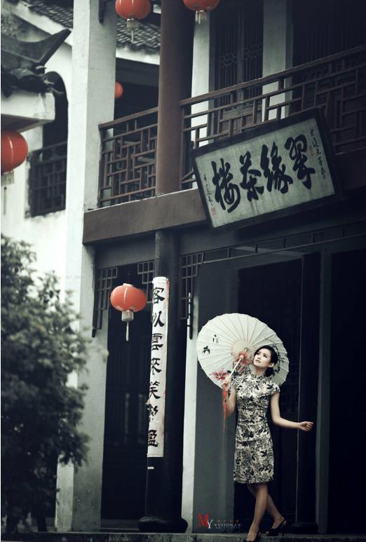 中国十大旗袍品牌_忆江南旗袍介绍