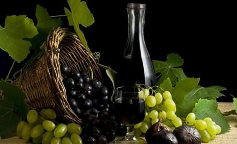 葡萄酒的功效_补充身体所需微量元素