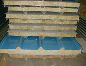 彩钢板的表面状态可分为涂层板与压花板