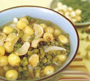 冰糖莲子绿豆沙的做法-甜品菜谱