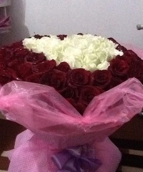 白玫瑰代表什么意思_哄女孩一笑的绝妙方法