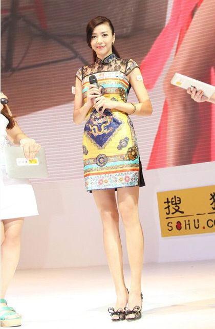 旗袍女神周韦彤2