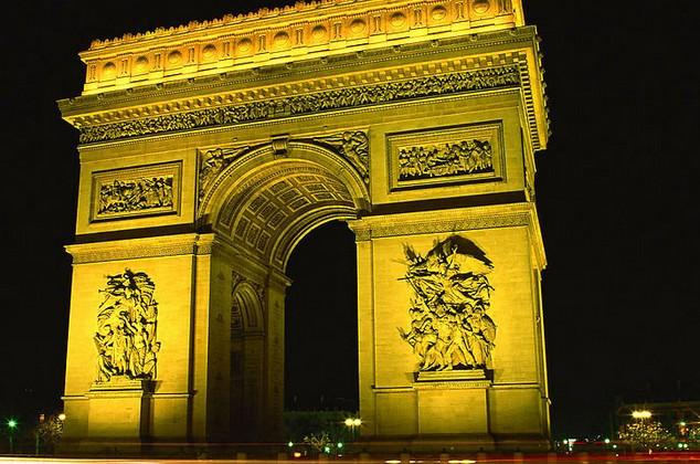法国夜间风景