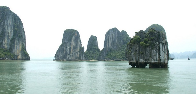 越南下龙湾的湖面