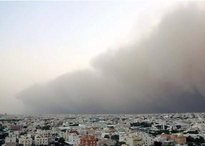 科威特港口-科威特遭到罕见的强沙尘天气袭击