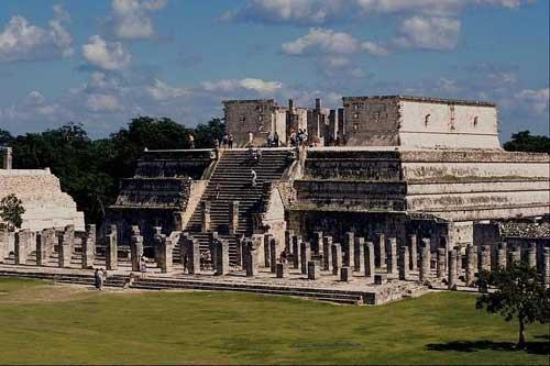 游览伯利兹在修南图内的玛雅遗址