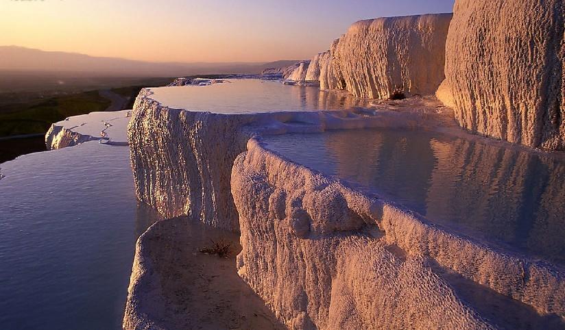 土耳其棉花堡温泉,最不容错过的自然浴场