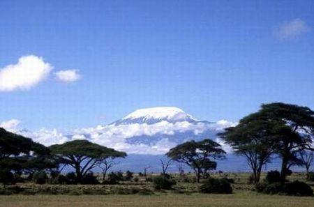 征服非洲的屋脊,坦桑尼亚的乞力马扎罗山