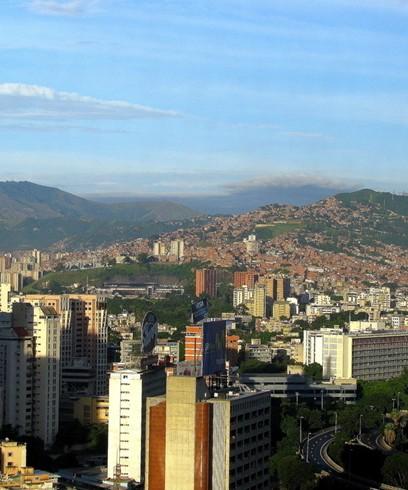 委内瑞拉首都加拉加斯北临加勒比海