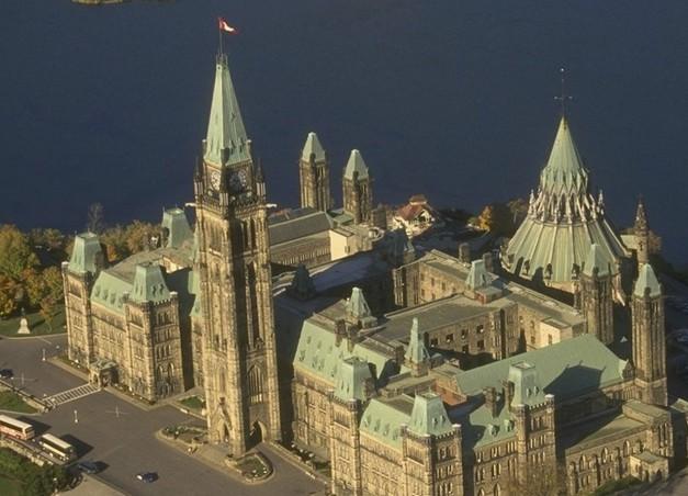加拿大鸟瞰图.jpg