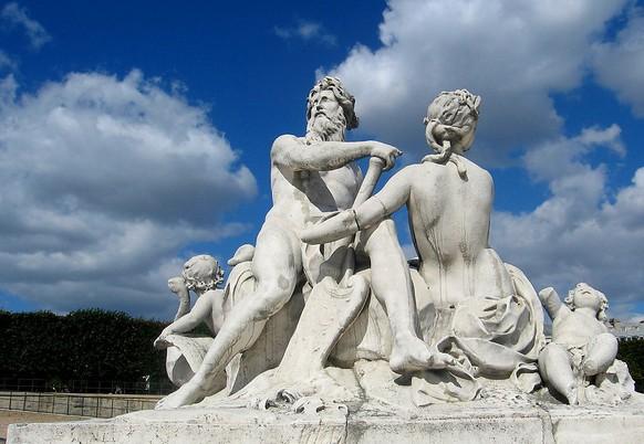 法国雕塑.jpg