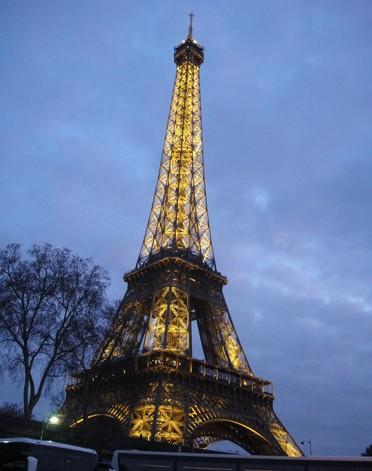 法国埃菲尔铁塔.jpg