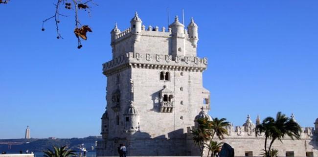 葡萄牙的海边建筑.jpg